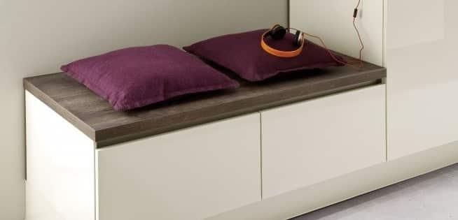 Sitzbank aus Küchenschränken