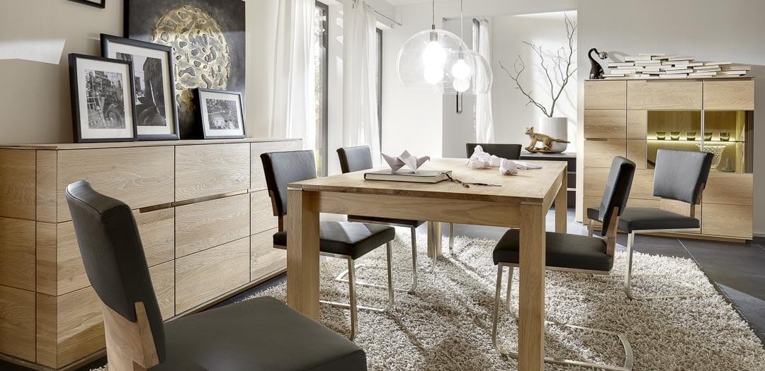 Esszimmermöbel in rustikaler Asteiche Bianco geölt
