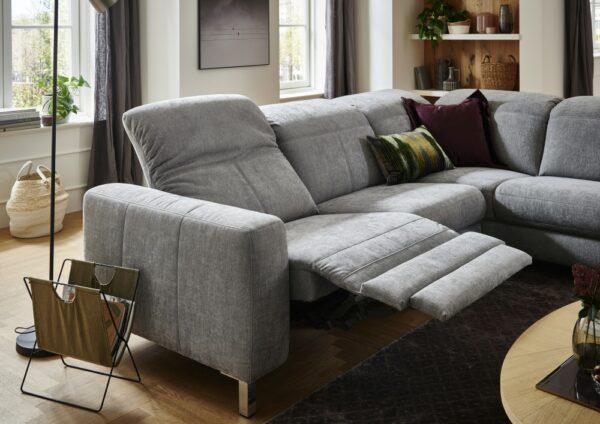 Sofa mit herausgefahrener Relaxfunktion