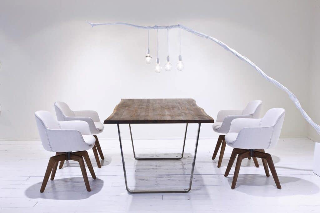 moderne Tischgruppe Zweigl Z50 mit Nussbaum Holz