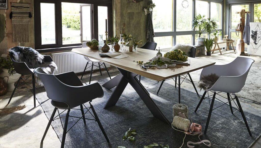 Bodahl Tischgruppe mit Spinnenfuß