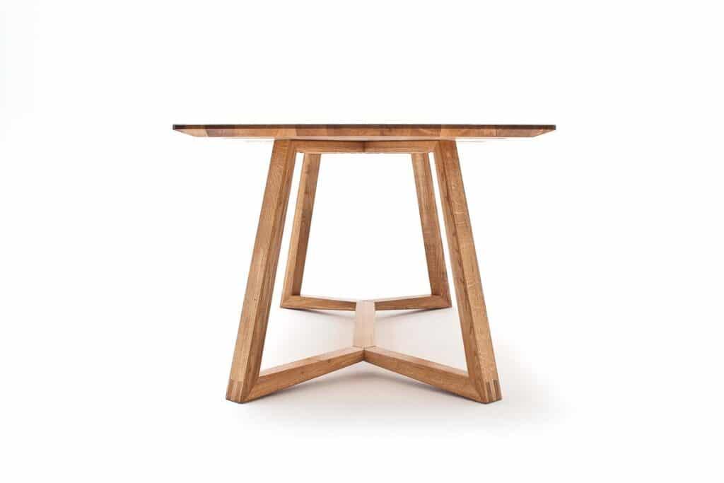 Esstisch Z40 von Wimmer mit handwerklich gearbeiteten Tischgestell