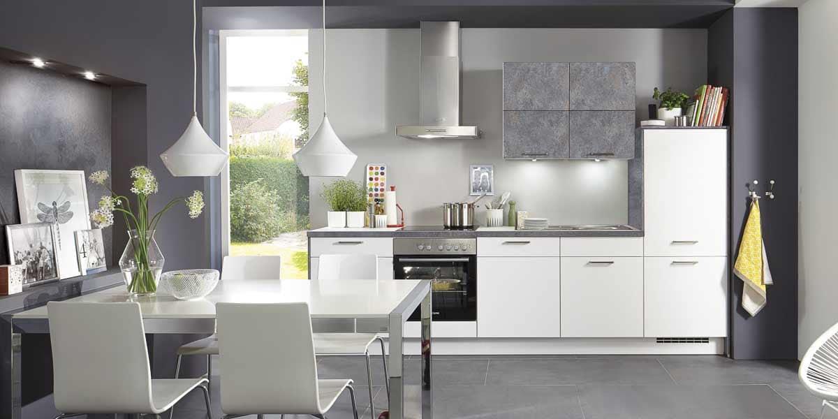 Küchenzeile im Küchenstudio