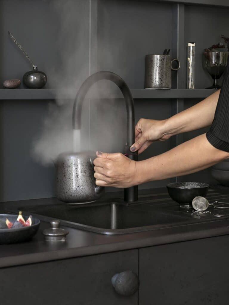 Die Kochendwasserarmatur Quooker Fusion in Schwarz