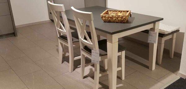 Tischgruppe aus massiver Kiefer