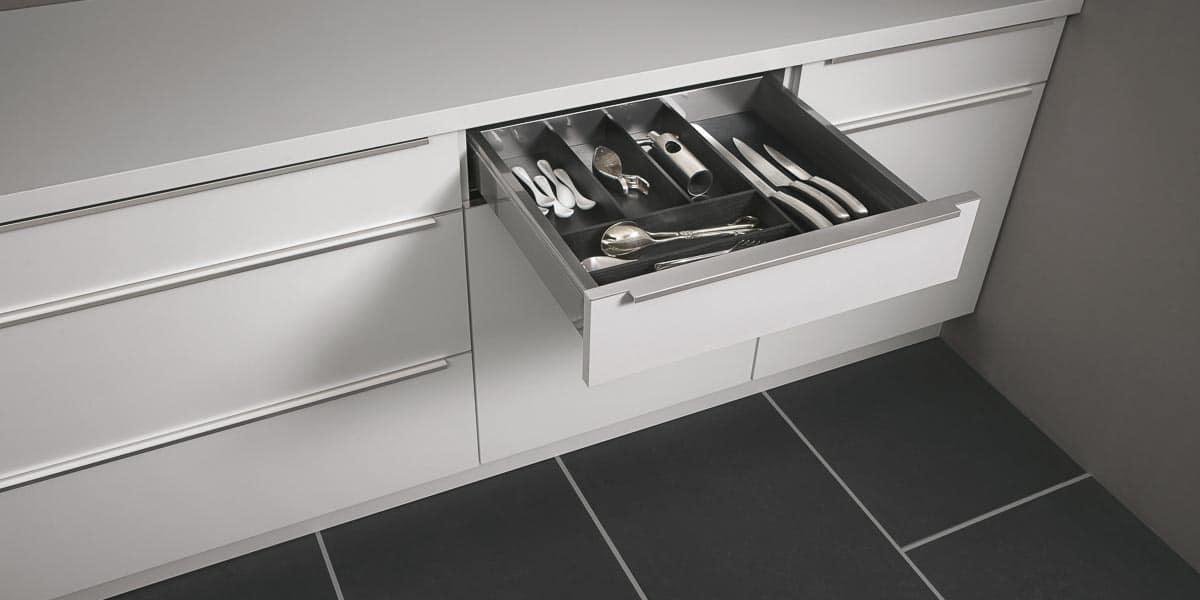 Ordnungssystem und Innenausstattung der küche
